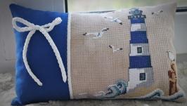 Подушка с ручной вышивкой крестом в морском стиле
