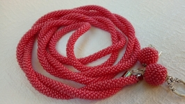 Красный лариат - украшение, жгут из бисера