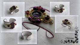 Браслет ′Мон-де-Марсан′ пурпурный ручной работы из чешского бисера