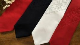 Єксклюзивна краватка для достойних чоловіків