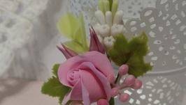 Шпилька з квітів