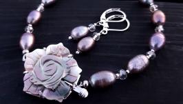 Комплект з натуральних перлів та перламутру