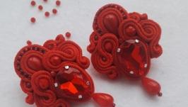 Сутажні сережки з коралом ′Спалах′