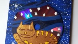 Лунный кот на фоне звездного неба. Акриловая живопись на ДСП и DVD диске