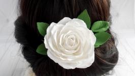 Свадебная шпилька для волосся белая с розой Цветы в прическу невесте