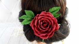 Бордовая шпилька для волосся с розой в прическу невесте Цветы на выпускной