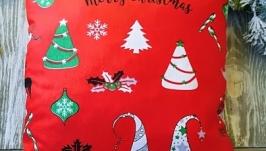 Подушка новогодняя красная разноцветные колпачки, 35 см * 35 см