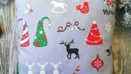 Подушка новогодняя  серая разноцветные колпачки, 35 см * 35 см