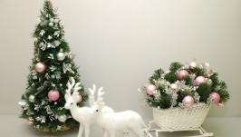 Новогодняя елка-топиарий ручной работы из еловых веток