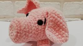 Свинка плюшевая
