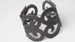 Кожаный браслет ′Janis′