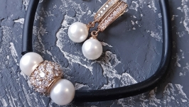 Браслет з натуральними перлами та позолочені сережки з перлами Майорка