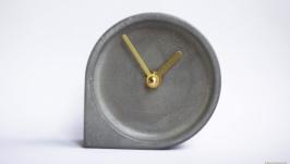 Настільний годинник з бетону