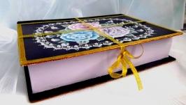 шкатулка-книжка с ручной росписью цветочного орнамента