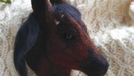 Валяная портретная брошь из шерсти Лошадь
