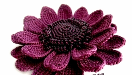 Фиолетовая гербера - цветочная брошь