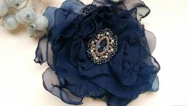 Заколка-брошь ′Blue flower′