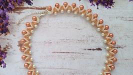 Колье, ожерелье персиковое из бисера и бусин ручной работы