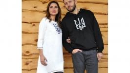 Толстовка чоловіча та жіноча сукня з вишивкою