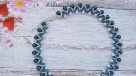 Колье, ожерелье, бусы серо-синие из бисера и бусин ручной работы