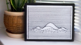 постер ′Горы в тетради′ в технике string art