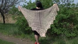 Шикарная шаль Харуни из нежного мериноса