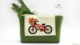 Вышитая косметичка Велосипед