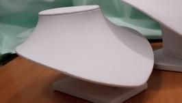 Подставка для бижутерии белая низкая из экокожи