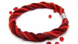 ′Севилья′ колье жгуты бисер красный