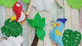 Фетровый мобиль в детскую кроватку RedBlue Parrots