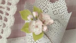 Шпилька Цвіт яблуні