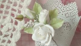 Шпилька Біла троянда