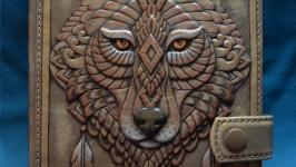 Блокнот ′ДУХ ВОЛКА′ с застежкой (Ежедневник в кожаной обложке) НА ЗАКАЗ