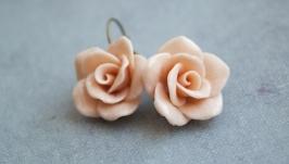 Бежевые розы Розы ручной работы Серьги
