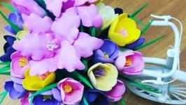 Декоративный велосипед с цветами из фоамирана ′Крокус′