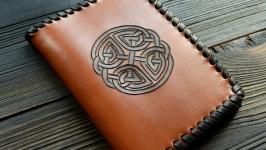 Обкладинка на паспорт з кельтським вузлом