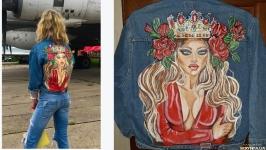 Джинсовая куртка с ручной росписью акриловыми красками на заказ