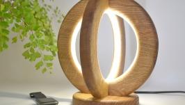 Настольная лампа ручной работы из натурального дуба