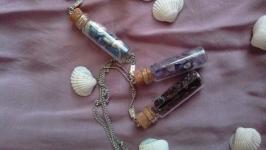 Сувенирные бутылочки-кулоны