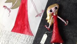 тут изображено дизайнерская игрушка по рисунку ребёнка Кукла-страшила №1