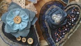 Джинсовые броши ′Сердечки′