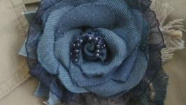 Брошь из ткани Джинсовое лето