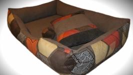 Колоритный лежак для собак средних размеров