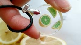 Кулон с лимоном