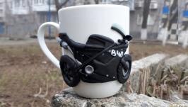 Мотоцикл. Декор кружки полимерной глиной