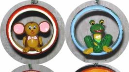 Универсальные игрушки-подвески (в ассортименте)