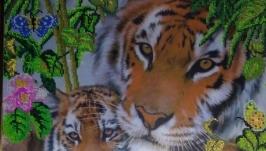 Смугасте сімейство (тигри)