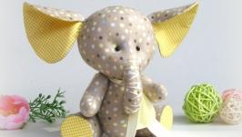Маленьке слоненя, подарунок