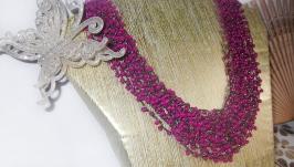 Ярко-розовое многослойное колье в стиле Бохо