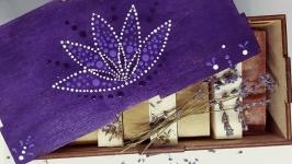 Подарунковий набір Дерев′яна скринька та Мило ручної роботи